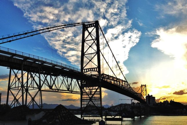 Ponte Hercílio Luz em Floripa